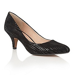 Lotus - Black leather 'Dandelion' pointed toe courts