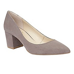 Lotus - Grey 'Briars' court shoes