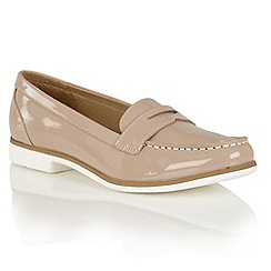 Lotus - Nude shiny 'Marta II' loafers