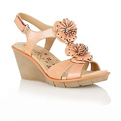 Naturalizer - Sea coral 'Explorer' T-bar sandals