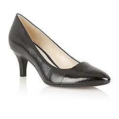 Naturalizer - Black shiny 'Gusta' court shoes