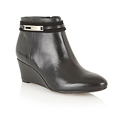 Naturalizer - Black 'Quimby' wedge ankle boots