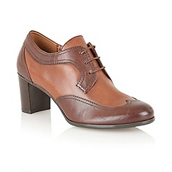 Naturalizer - Brown Macia' court shoes