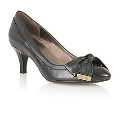 Naturalizer - Black 'Guiliana' court shoes