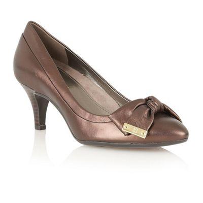 Naturalizer Bronze Guiliana court shoes