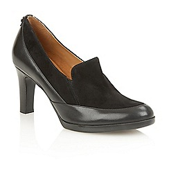 Naturalizer - Black leather 'Angie' court shoes