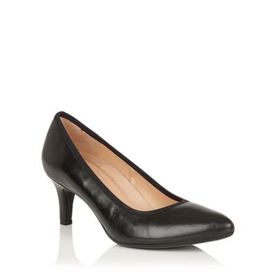 Naturalizer Black leather Oath court shoes