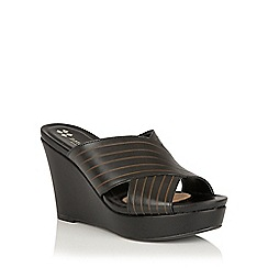 Naturalizer - Black leather 'Runway' mules