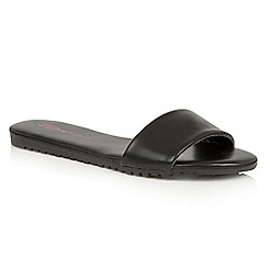 Dolcis - Black 'Willa' flat cleated beach sandals