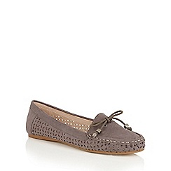Dolcis - Grey 'Jeri' bow detailed flat loafers