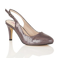 Dolcis - Pewter 'Shakira' court shoes