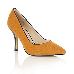 Dolcis - Mustard 'Tiana' court shoes