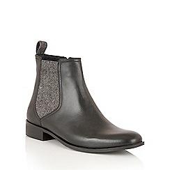 Ravel - Black Leather 'Johnson' ankle boots