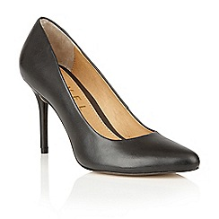 Ravel - Black leather 'Newton' court shoes