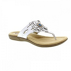 Earth Spirit - White 'Savannah' ladies thong sandal