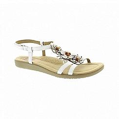 Earth Spirit - Victorville - White sandals