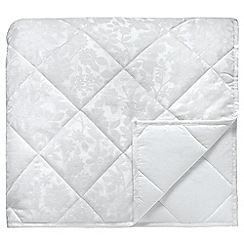 Helena Springfield - White quilted 'Flora' throw