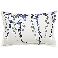 Clarissa Hulse - Blue 200 thread count floral 'Boston Ivy' Oxford pillow case