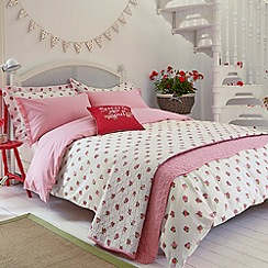 Julie Dodsworth - Red 'Heart & Soul' bed linen