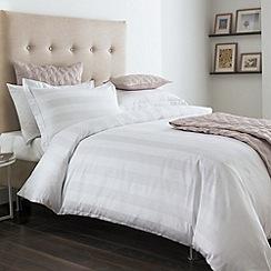 Hotel - White 'Lancaster' bed linen