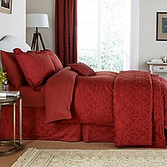 V & A - Red brick 'Moresque' bed linen