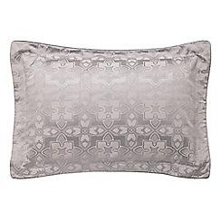 V & A - lilac 'Quatrefoil' oxford pillowcase