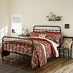 Morris & Co - Red 300 thread count floral 'Strawberry Thief' duvet cover