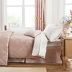 V & A - Pink 'Viennese rose' bed linen