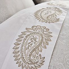 Fable - Light green cotton 200 thread count 'Paisley' double flat sheet