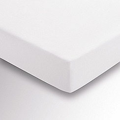 Hotel - White brushed cotton plain dye 'Verbier' fitted sheet