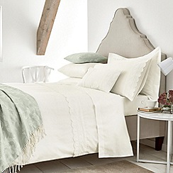 Helena Springfield - Ivory 'Avella' bed linen set