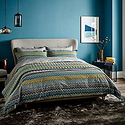 Harlequin - Blue patterned 'Chevron' bedding set