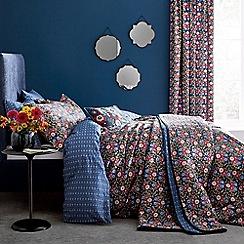 V & A - Multicoloured cotton 'Primula' bedding set