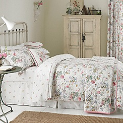 V & A - Multi 'Guinevere' bed linen