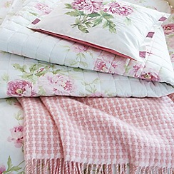 Sanderson - Pink 'Adele' throw blanket & cushion