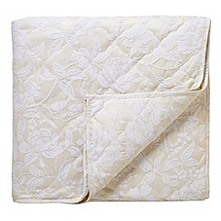 Sanderson - Natural 'Pyramus' quilted throw
