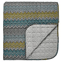 Harlequin - blue 'Chevron' quilted throw