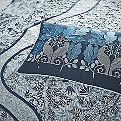 V & A - Blue 'Dianthus' throw