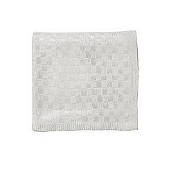 Hotel - White acrylic 'Saryn' knitted throw