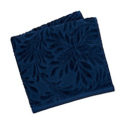 V & A - Blue 'Athenian' towels
