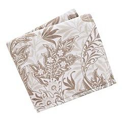 V & A - Natural 'Dianthus' towels