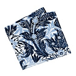 V & A - Blue 'Dianthus' towels