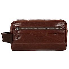Conkca London - Conker brown 'Windermere' handcrafted leather wash bag