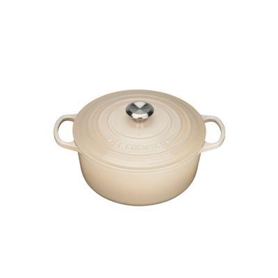 Le Creuset Almond signature 18cm round casserole