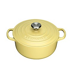 Le Creuset - Signature Round Casserole 20cm Elysees Yellow