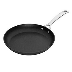 Le Creuset - Toughened Non-Stick 22cm shallow frying pan