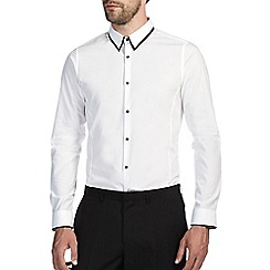 Burton - White skinny tipped shirt