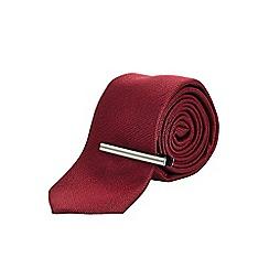 Burton - Slim red textured red tie with tie clip