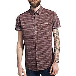 Burton - Burgundy arrow print shirt