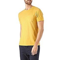Burton - Yellow garment dyed t-shirt